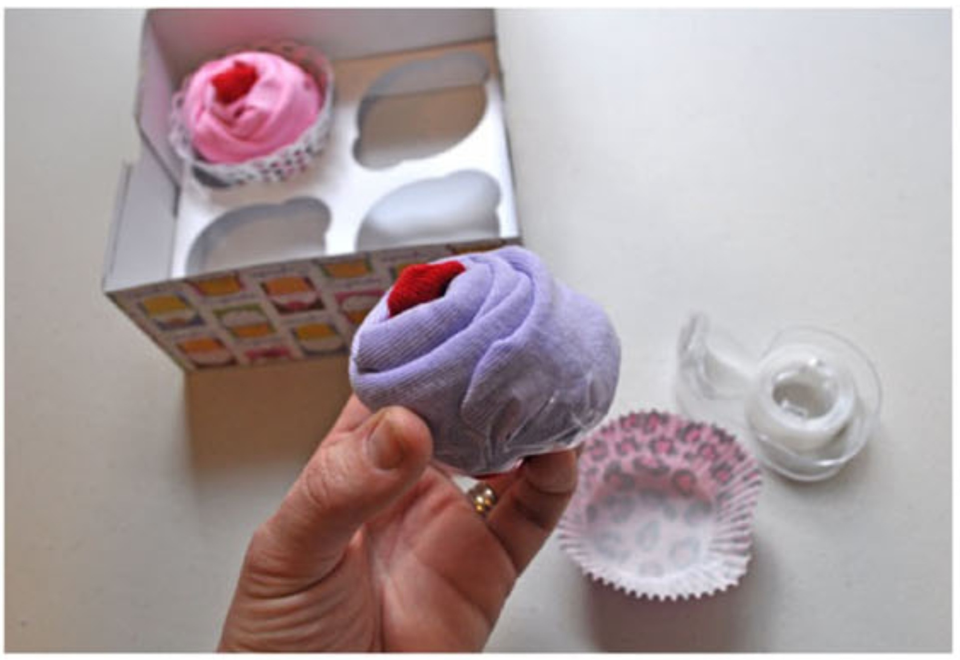 Как сделать маленький цветок из полотенца